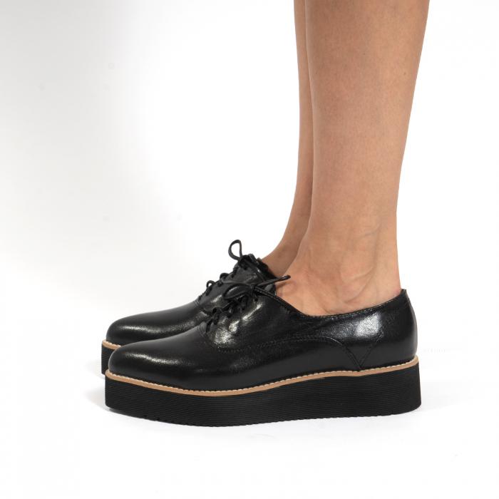 Pantofi oxford, cu varf ascutit, din piele naturala neagra. 1