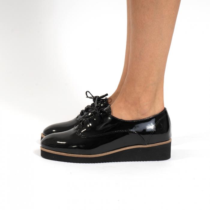 Pantofi oxford, cu varf rotunjit, din piele naturala lacita, neagra 1