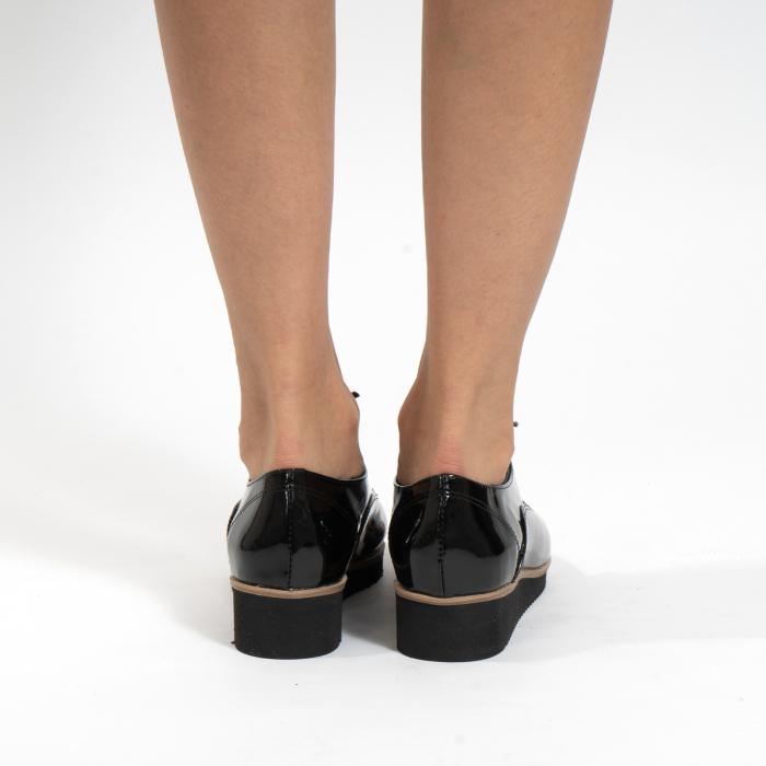 Pantofi oxford, cu varf rotunjit, din piele naturala lacita, neagra 4
