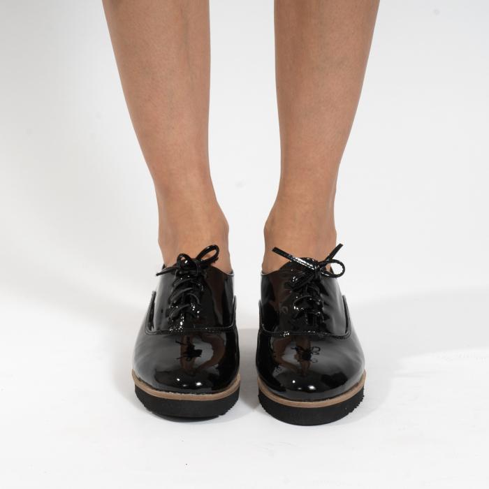 Pantofi oxford, cu varf rotunjit, din piele naturala lacita, neagra 2