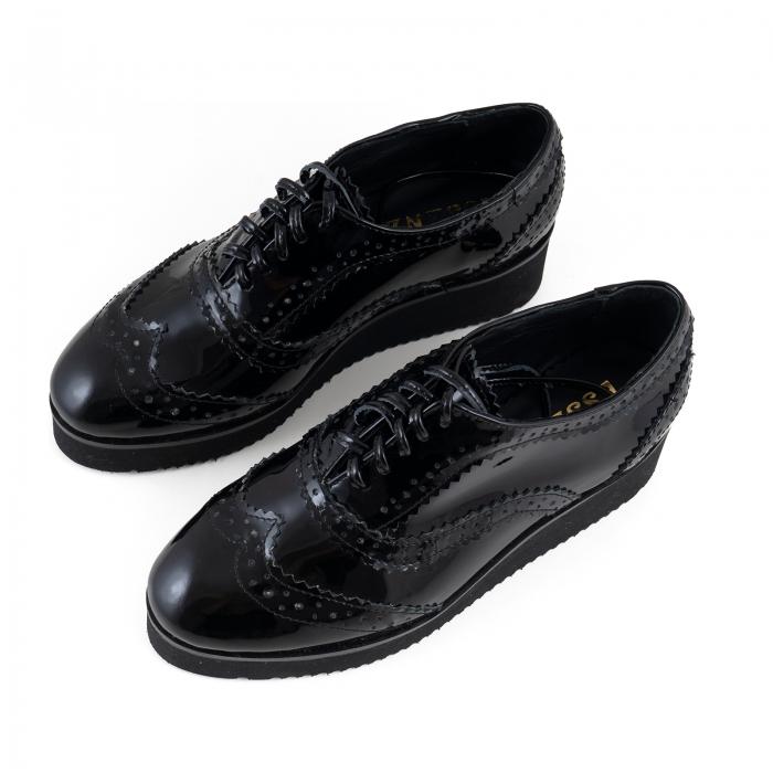 Pantofi oxford, din piele lacuita neagra 3