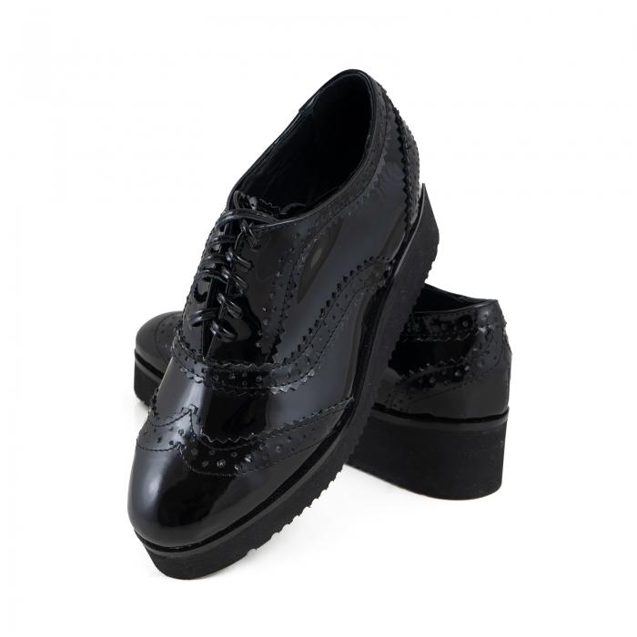 Pantofi oxford, din piele lacuita neagra 2