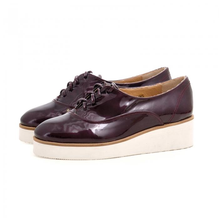 Pantofi oxford, din piele lacuita mov 1