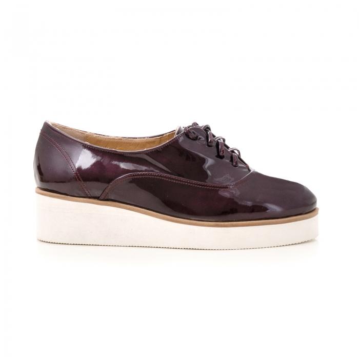 Pantofi oxford, din piele lacuita mov 0