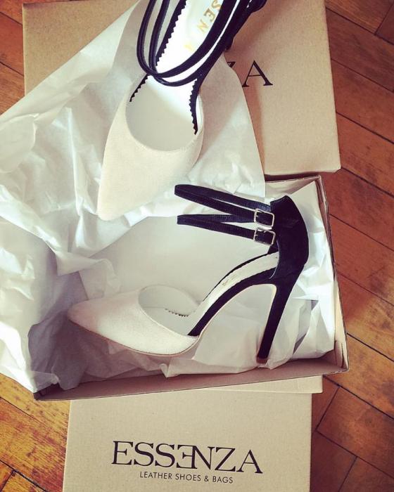 Pantofi stiletto cu barete duble, din piele intoarsa neagra si bej [1]