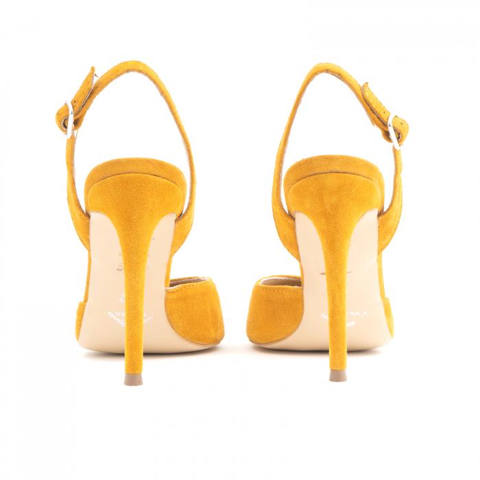 Pantofi stiletto decupati cu bareta de sustinere la calcai. Realizati dinpiele intoarsa galbena 3