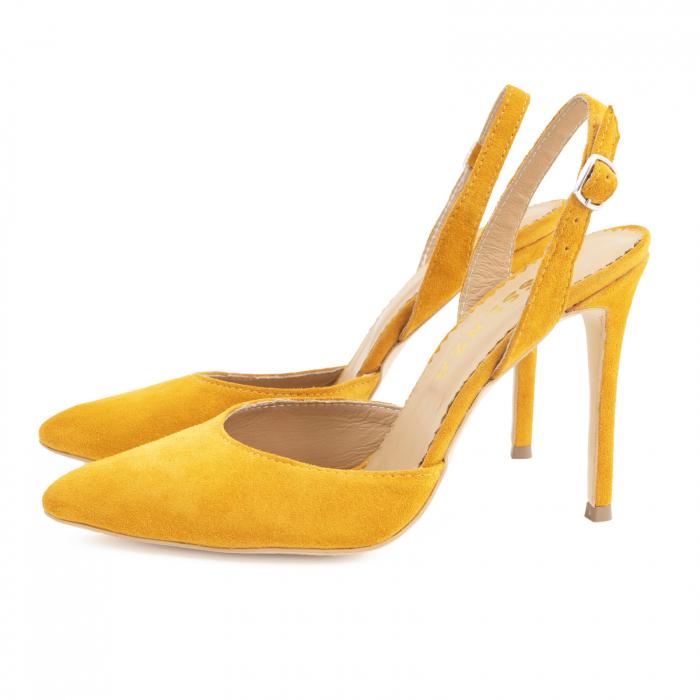 Pantofi stiletto decupati cu bareta de sustinere la calcai. Realizati dinpiele intoarsa galbena 1
