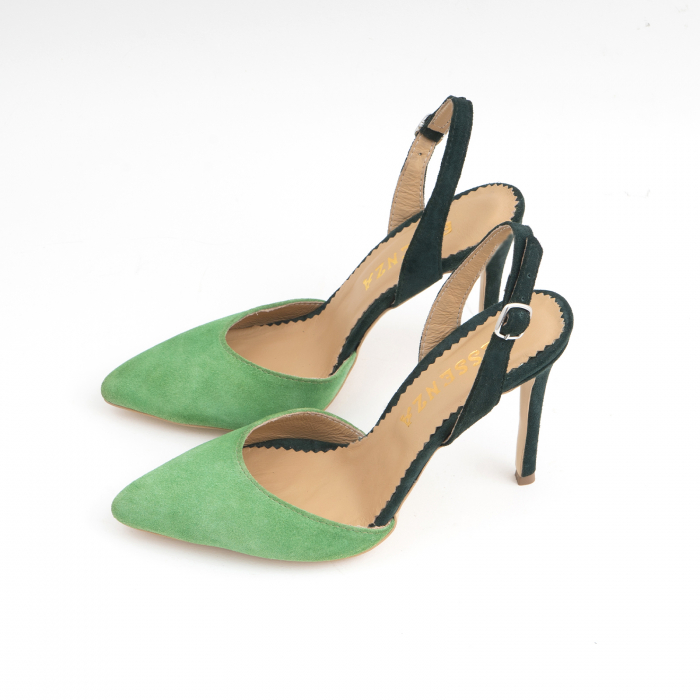 Pantofi stiletto decupati cu bareta de sustinere la calcai. Realizati dinpiele intoarsa verde deschis si verde inchis. [1]