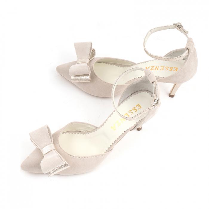 Pantofi stiletto decupati, din piele intoarsa off white si piele laminata aurie. 3