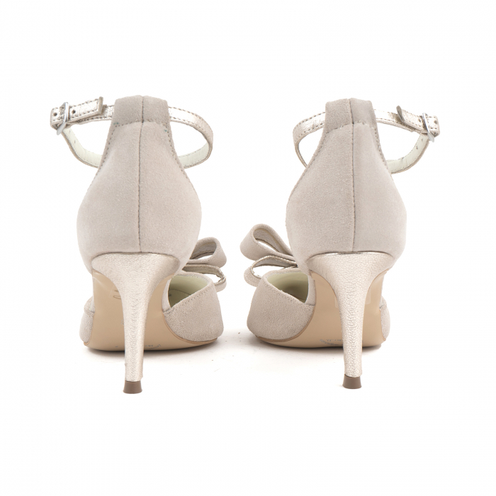 Pantofi stiletto decupati, din piele intoarsa off white si piele laminata aurie. [2]