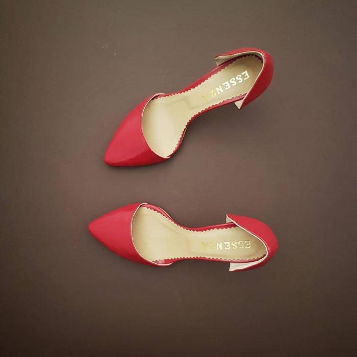 Pantofi stiletto decupati (interior/exterior),realizati din piele naturala rosie. [0]
