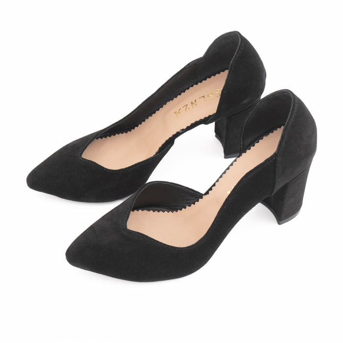 Pantofi stiletto din piele intoarsa neagra, cu decupaj interiorintr-o linie eleganta 1