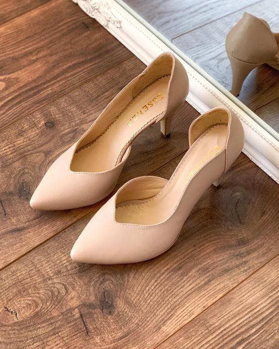Pantofi stiletto din piele naturala nude rose, cu decupaj interiorintr-o linie eleganta 0