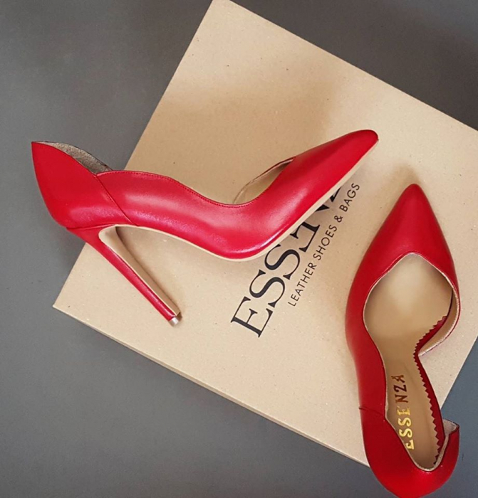 Pantofi stiletto din piele naturala rosie,cu decupaj interior si exterior intr-o linie eleganta 0