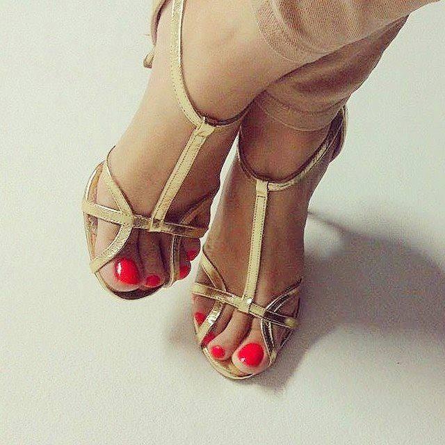 Sandale cu barete, din piele laminata aurie 0