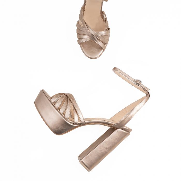 Sandale cu barete subtiri, din piele laminata aurie 2