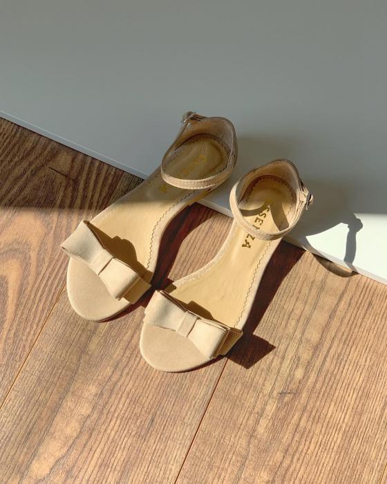 Sandale cu fundite, din piele intoarsa crem [2]