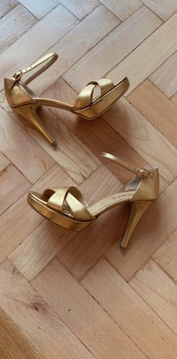 Sandale cu platforma, din piele laminata aurie [0]