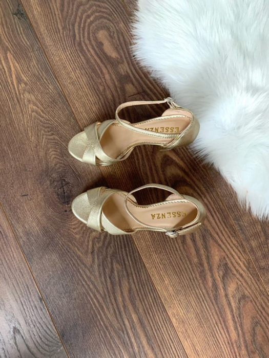 Sandale cu platforma, din piele laminata aurie auriu pal 2