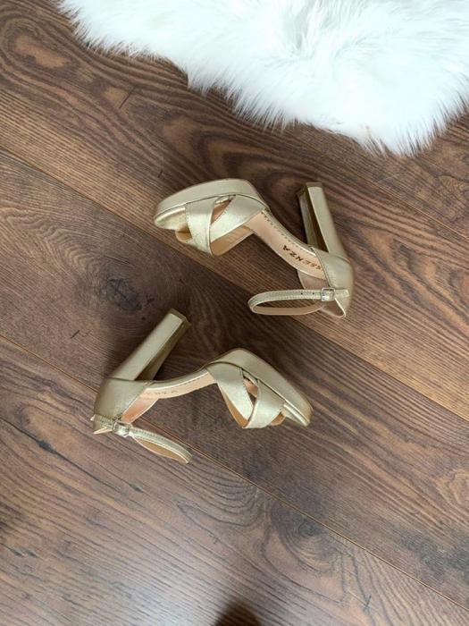 Sandale cu platforma, din piele laminata aurie auriu pal 1