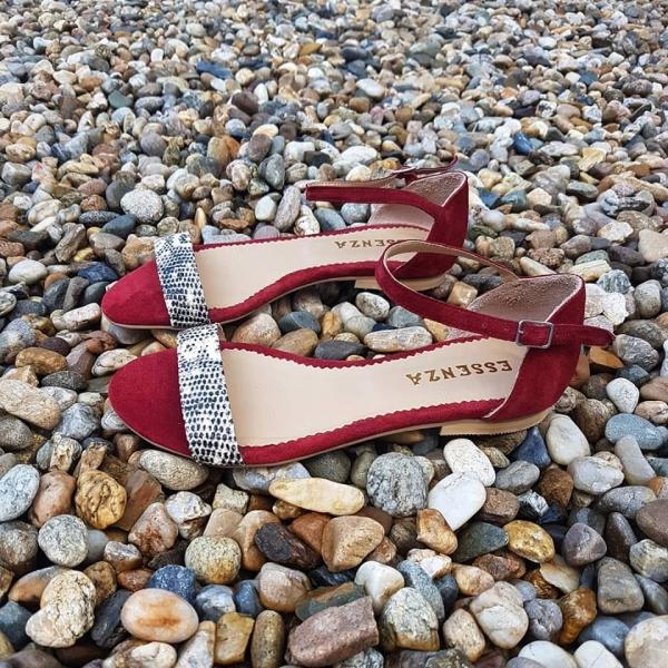 Sandale cu staif si inchidere cu bareta fixa, din piele intoarsa burgundy si piele cu textura de piele de sarpe. 0