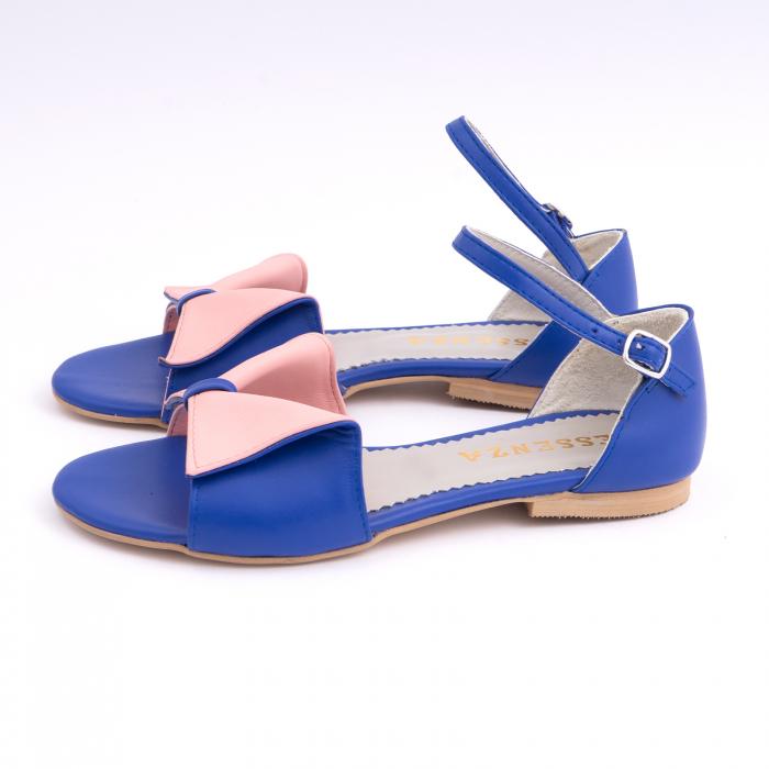 Sandale cu talpă joasă, din piele naturala albastra si roz. 1