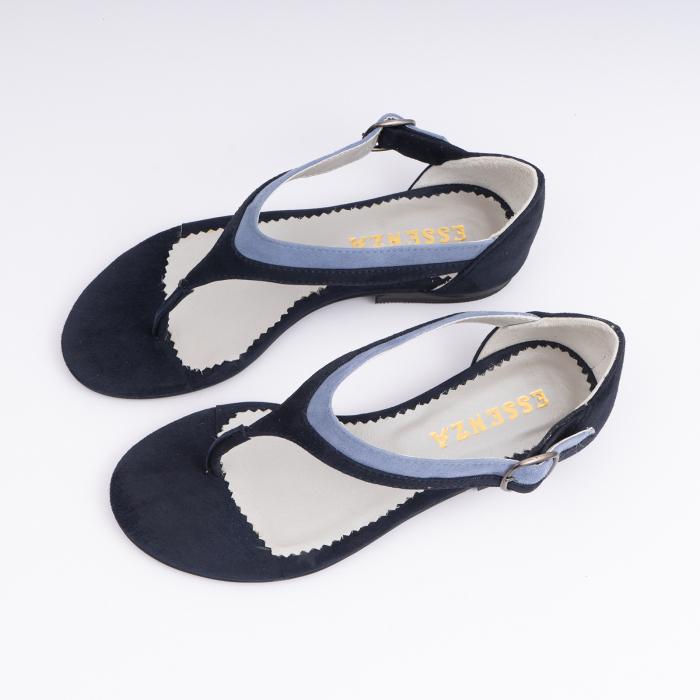 Sandale cu talpa joasa, cu bareta intre degete, din piele intoarsa albastru inchis si albastru deschis 1