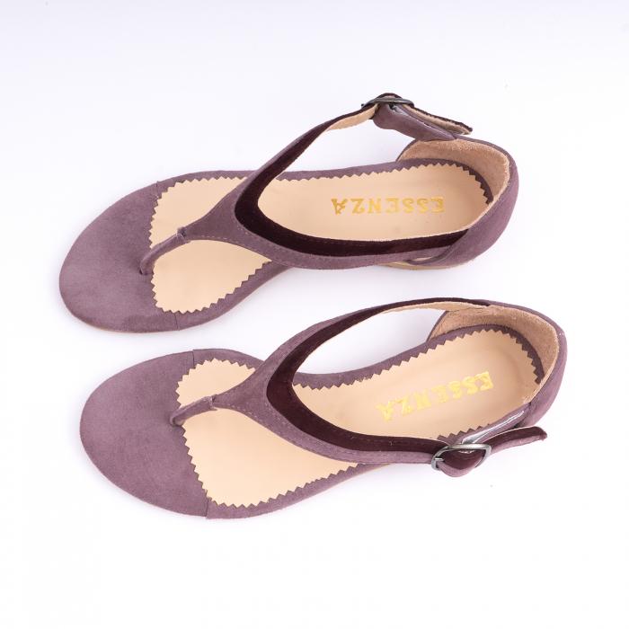 Sandale cu talpa joasa, cu bareta intre degete, din piele intoarsa lila si mov pruna 1