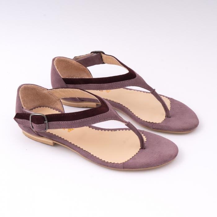 Sandale cu talpa joasa, cu bareta intre degete, din piele intoarsa lila si mov pruna 2
