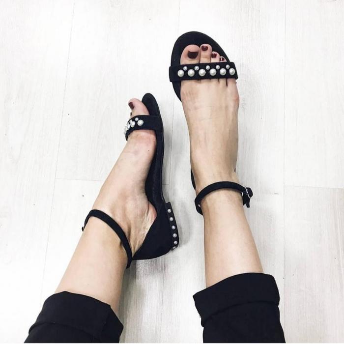 Sandale cu talpa joasa, din piele intoarsa neagra, accesorizate cu perle 0