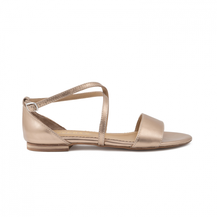 Sandale cu talpa joasa, din piele laminata, auriu-bronz 0