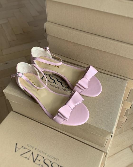 Sandale cu talpa joasa, din piele nappa roz, cu fundite [2]