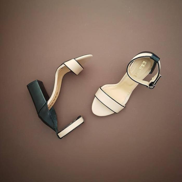 Sandale cu toc gros, din piele naturala crem si neagra. 0