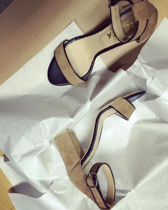 Sandale cu toc gros, din piele naturala neagra si piele intoarsa beige 0