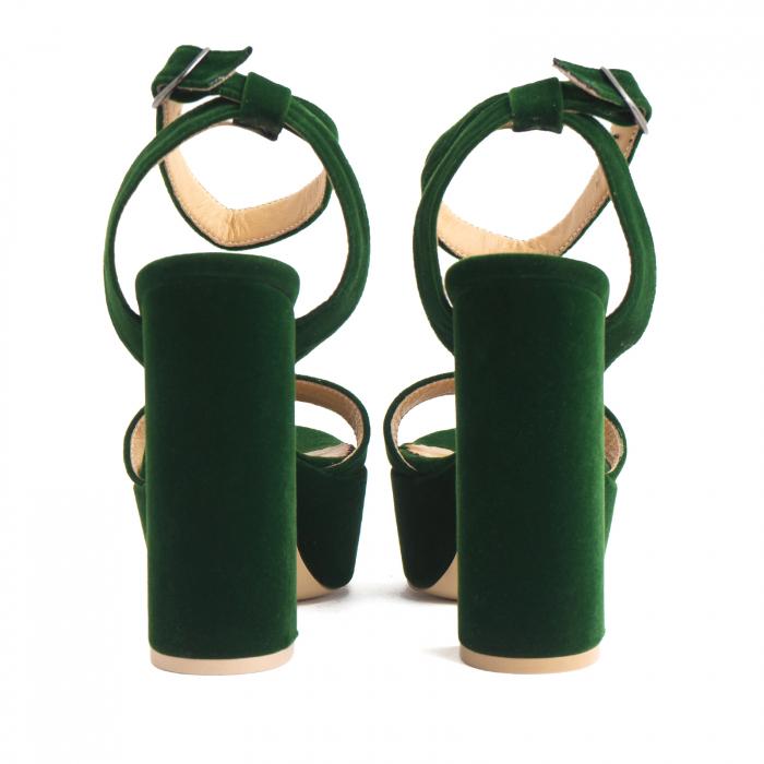 Sandale din catifea verde, captusite cu piele naturala, cu toc gros patrat si platforma 3