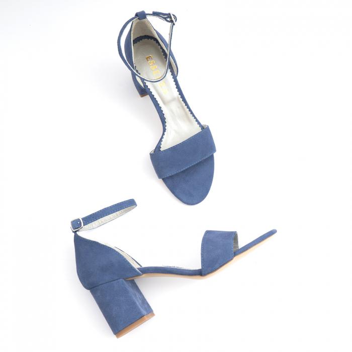 Sandale din piele intoarsa albastra, cu toc patrat imbracat in piele. 3