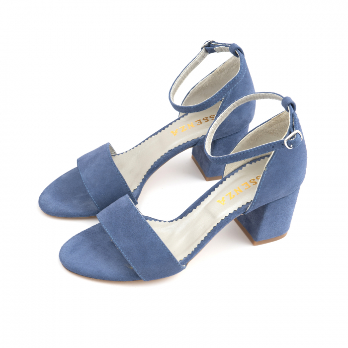 Sandale din piele intoarsa albastra, cu toc patrat imbracat in piele. 1
