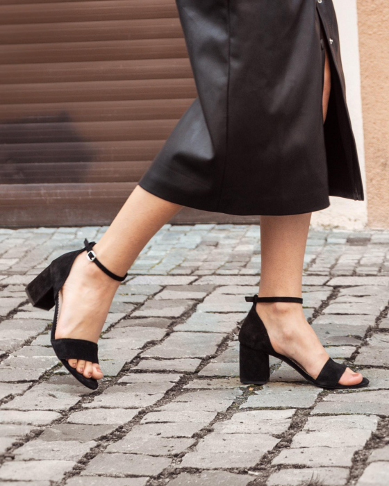 Sandale din piele intoarsa neagra, cu toc gros. 6