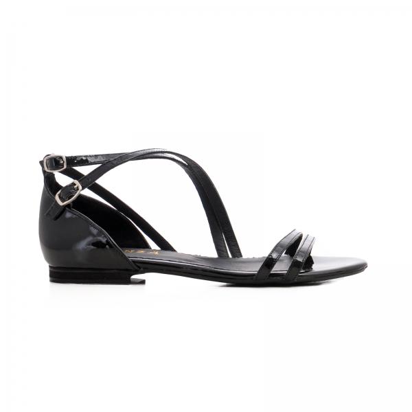 Sandale cu talpa joasa, din piele lacuita neagra 0