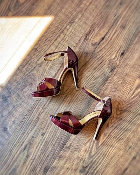 Sandale din piele lacuita visinie. 0
