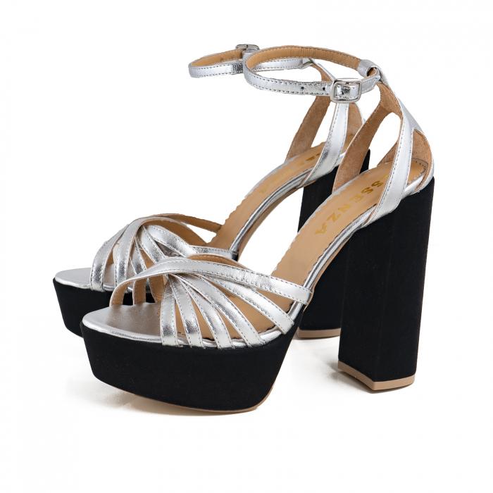 Sandale din piele laminata argimntie si catifea neagra, cu toc gros patrat si platforma 1