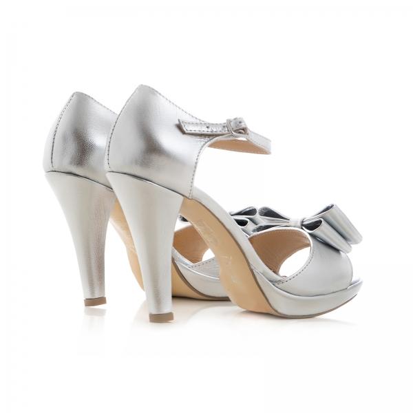 Sandale din piele laminata argintie, cu funde duble 1