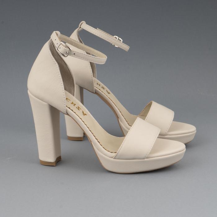 Sandale din piele naturala alb-unt, cu bareta deasupra gleznei, si toc gros 1