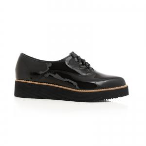Pantofi oxford cu varf ascutit, din piele lacuita neagra0