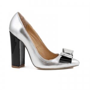 Pantofi Stiletto cu funda, din piele lacuita neagra si argintie0