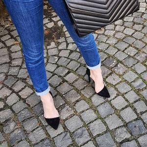 Pantofi Stiletto, din piele intoarsa neagra [1]