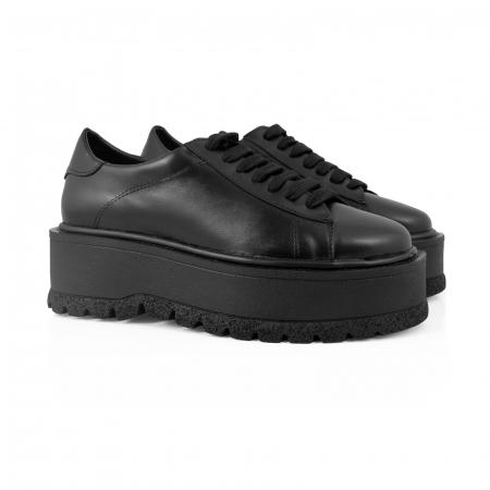 Pantofi cu talpă groasă, realizati din piele naturala neagra1