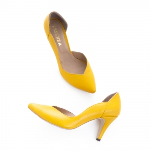 Pantofi stiletto din piele naturala galbena2