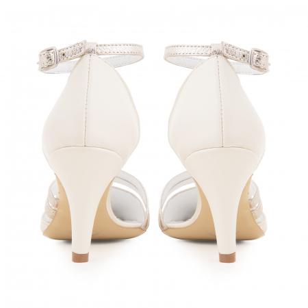 Pantofi din piele naturala alb unt, cu decupaj si barete din piele aurie [3]
