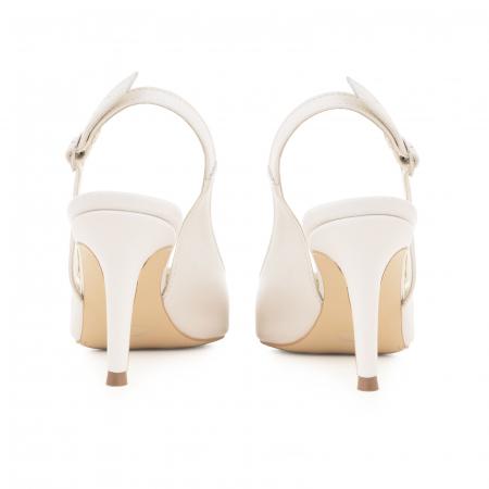 Pantofi stiletto decupati din piele naturala alb unt4